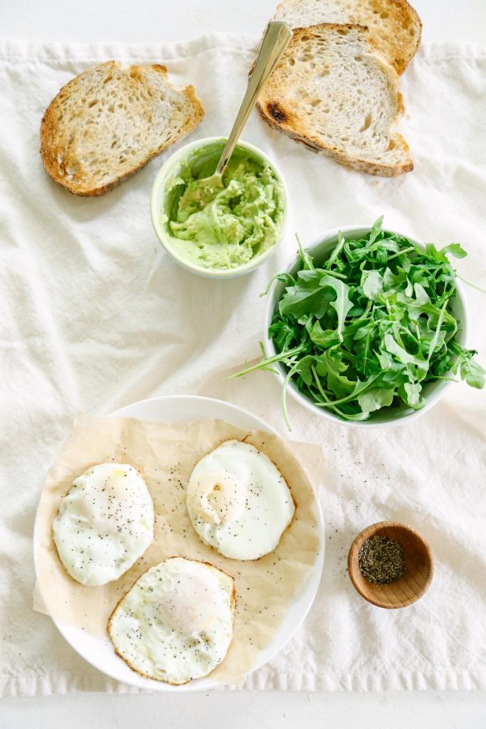 avaocad-toast-arugula-egg-8721-2-683x1024